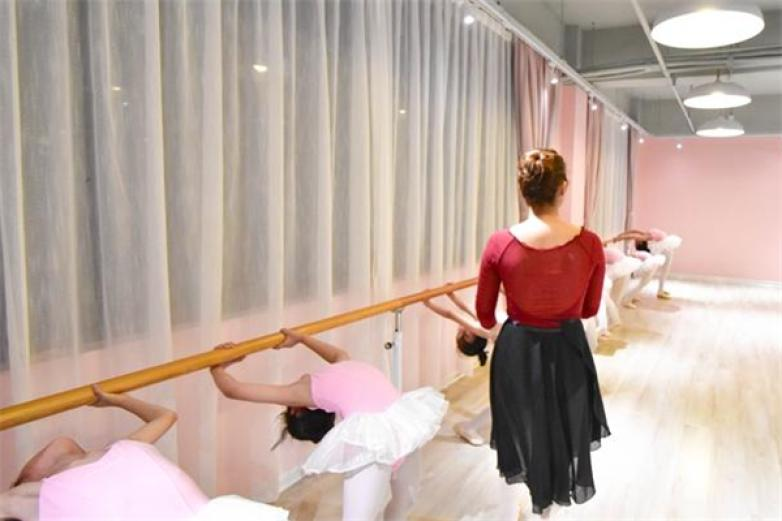 朵拉舞蹈加盟