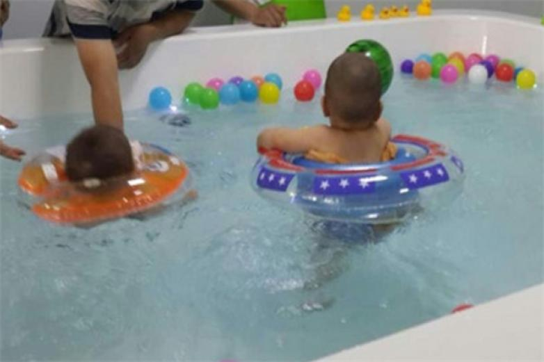 童博士母婴水育馆加盟