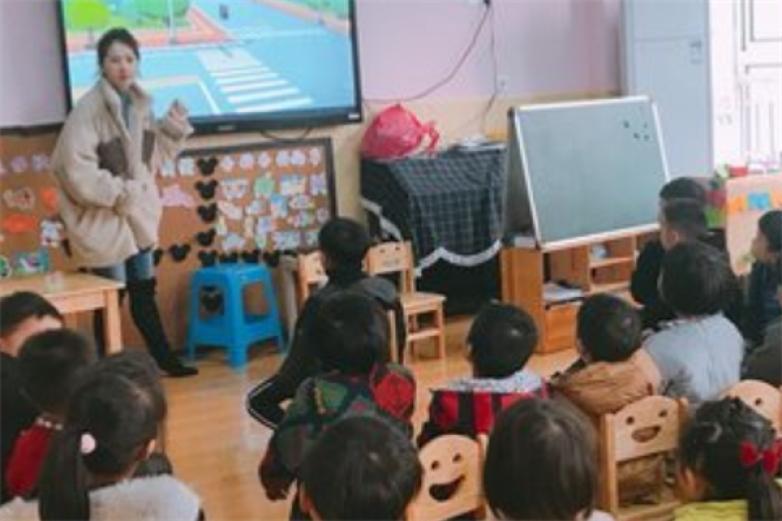 月亮湾幼儿园加盟