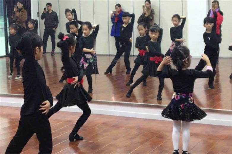 索特舞蹈加盟