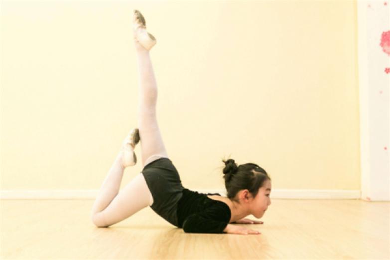 雅蕾舞蹈艺术培训加盟