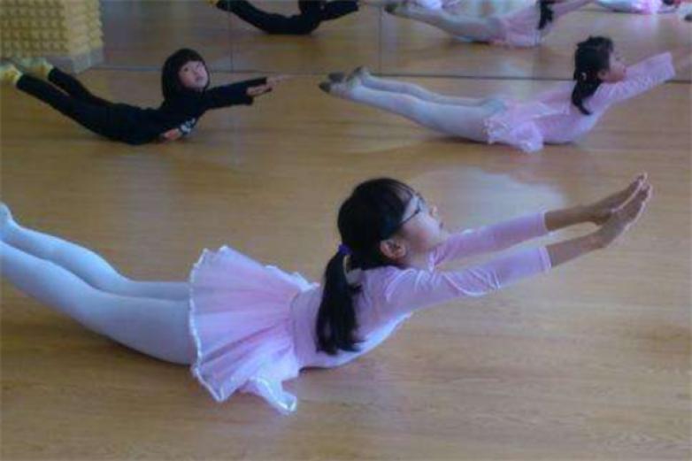 俊菊芭蕾舞蹈艺术培训加盟