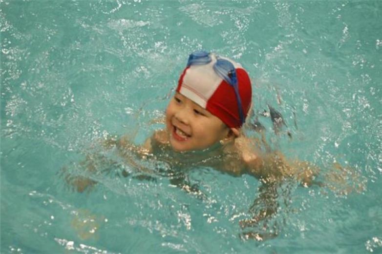 小博士婴儿游泳馆加盟