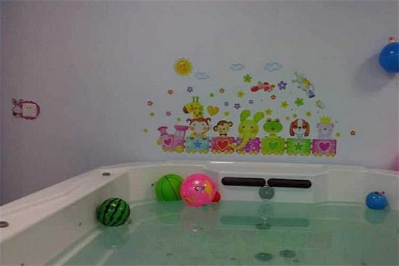 小兔貝貝游泳館加盟