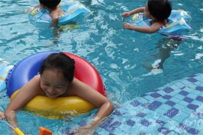鱼骑士游泳馆加盟