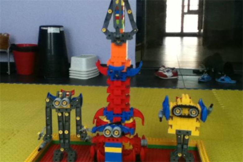 博佳机器人教育加盟