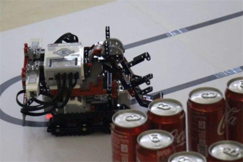 迪瓦机器人教育加盟