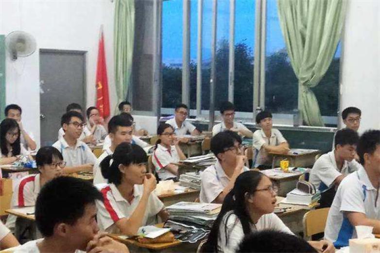 炳隆教育加盟