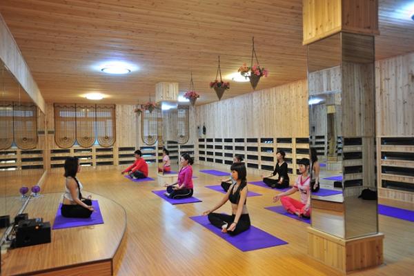 瑜伽馆加盟多少钱