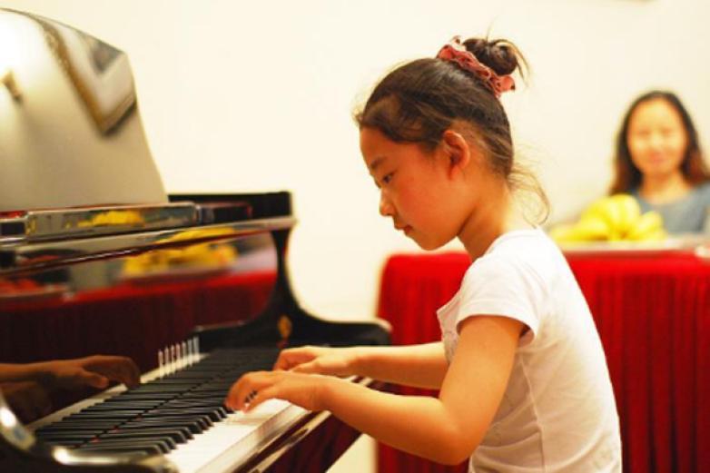 铂声钢琴培训加盟