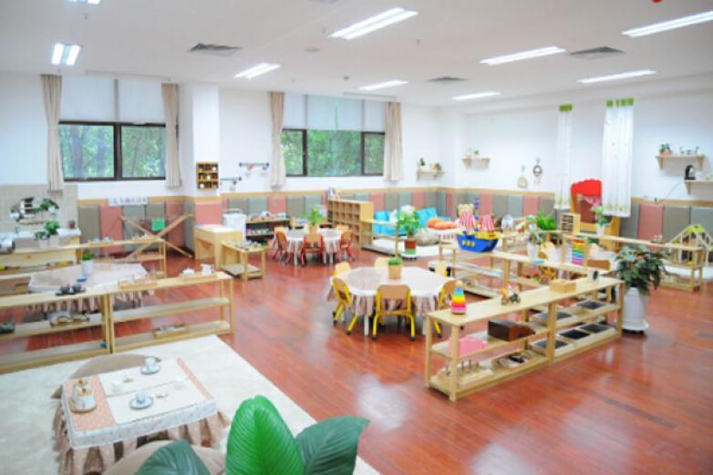 蒙臺梭利幼兒園加盟