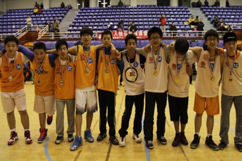 小飛人籃球俱樂部加盟