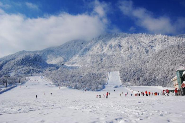 西岭雪山滑雪场加盟