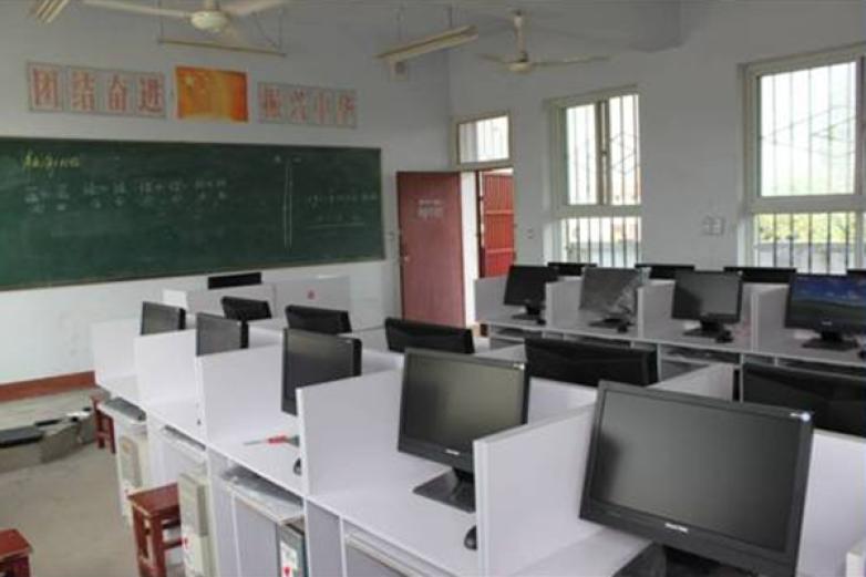 長城計算機學校加盟