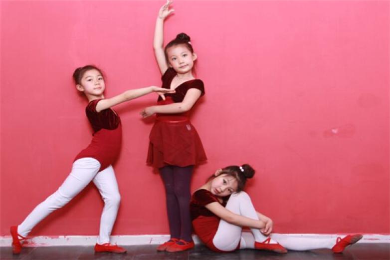 少兒舞蹈班加盟