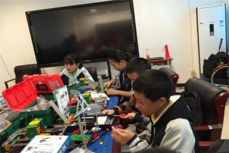 智濤機器人教育加盟