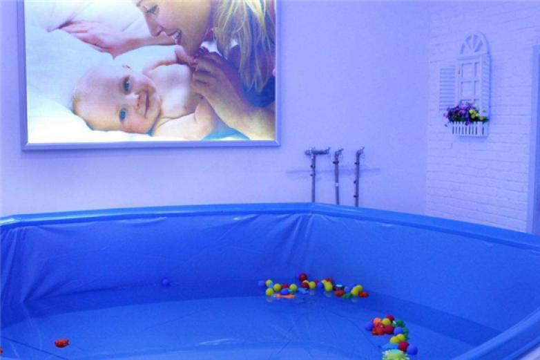 小飛俠嬰兒游泳館加盟