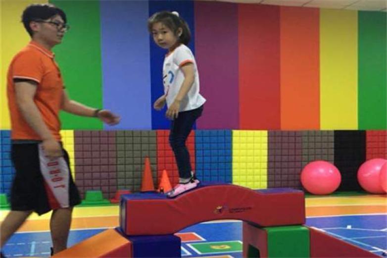 酷玩童年少儿体适能运动馆加盟