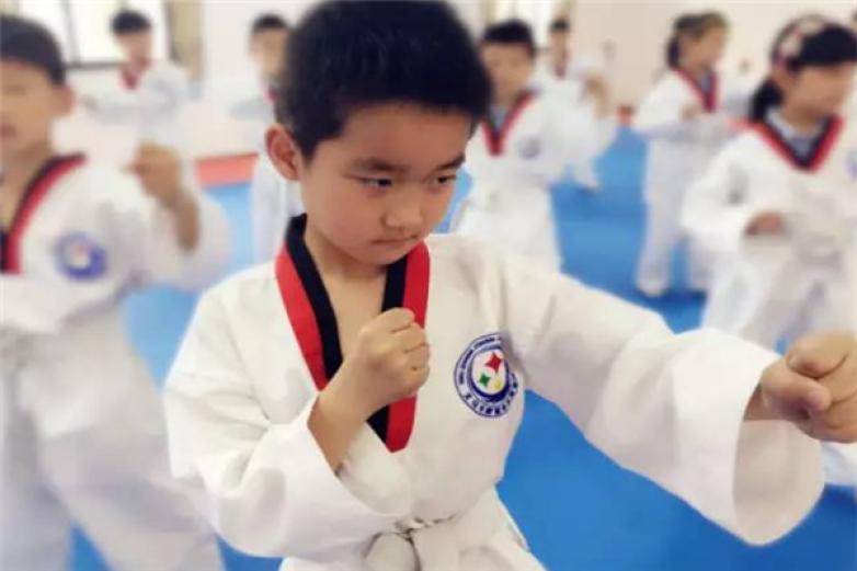 爱尚跆拳道加盟