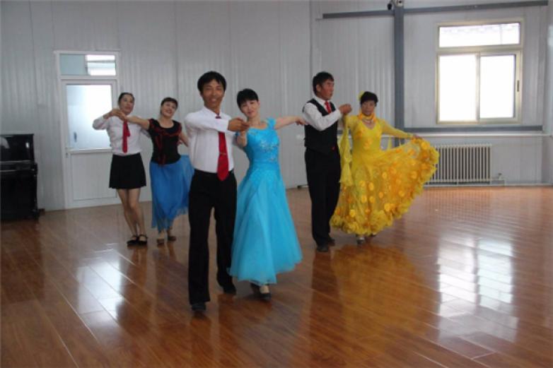交谊舞培训中心加盟