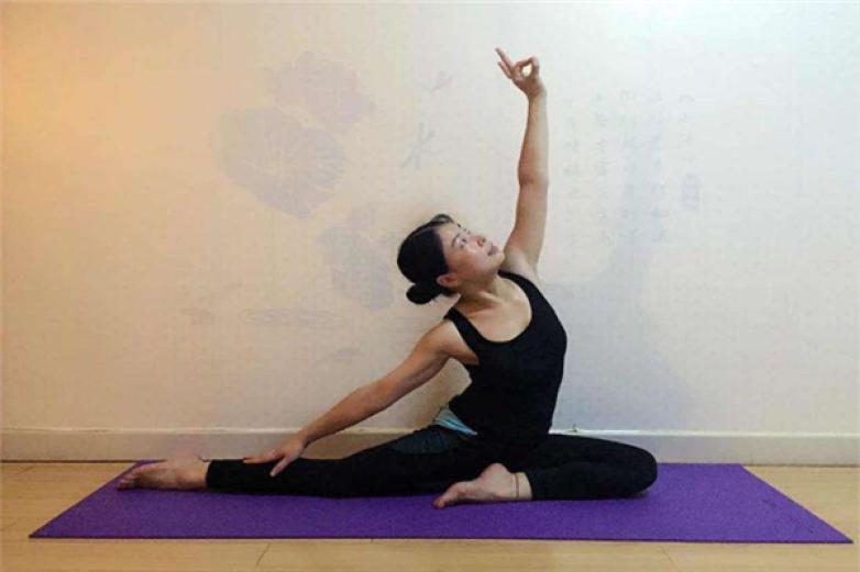静心瑜伽加盟