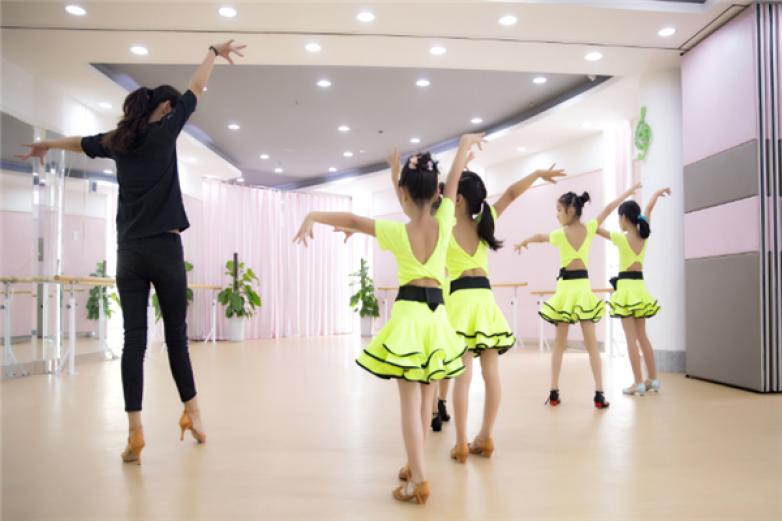 拉丁舞培训加盟