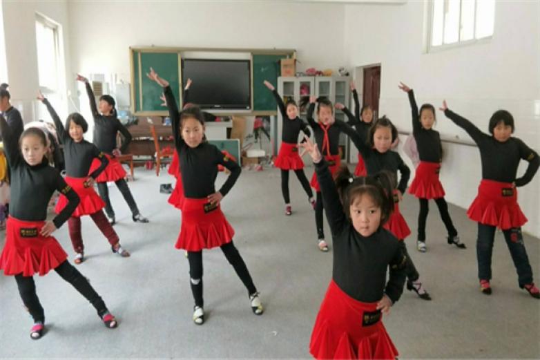 小小舞蹈家加盟