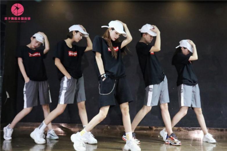 水灵子舞蹈加盟