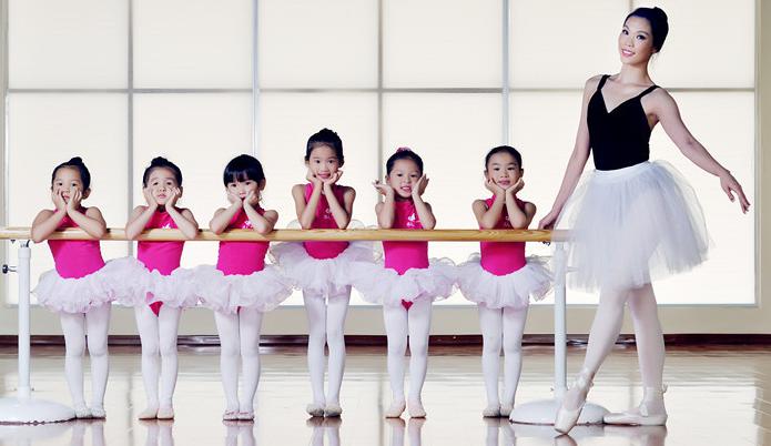 靜莎舞蹈培訓加盟費用多少?音樂培訓加盟選它合適嗎?