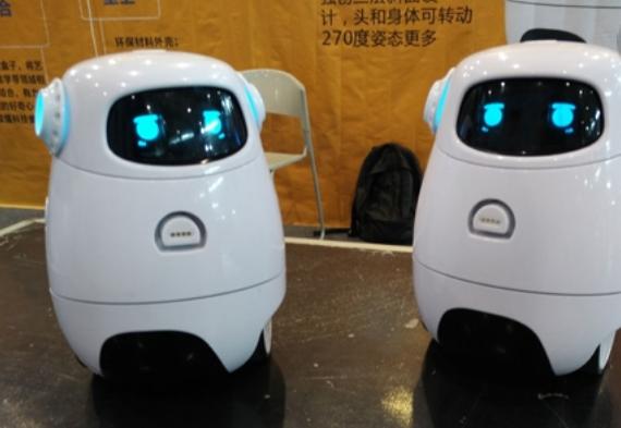 小卡机器人加盟费用多少?机器人加盟选它合适吗?