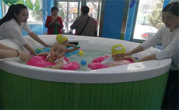 鲸鱼堡婴儿游泳馆加盟