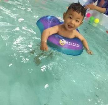 智游宝贝婴儿游泳馆