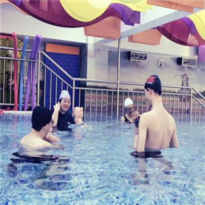海美时光国际亲子游泳