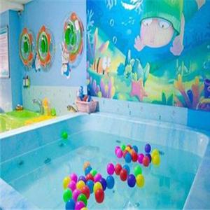 月蓝湾婴儿游泳馆