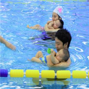 旺宝国际亲子游泳